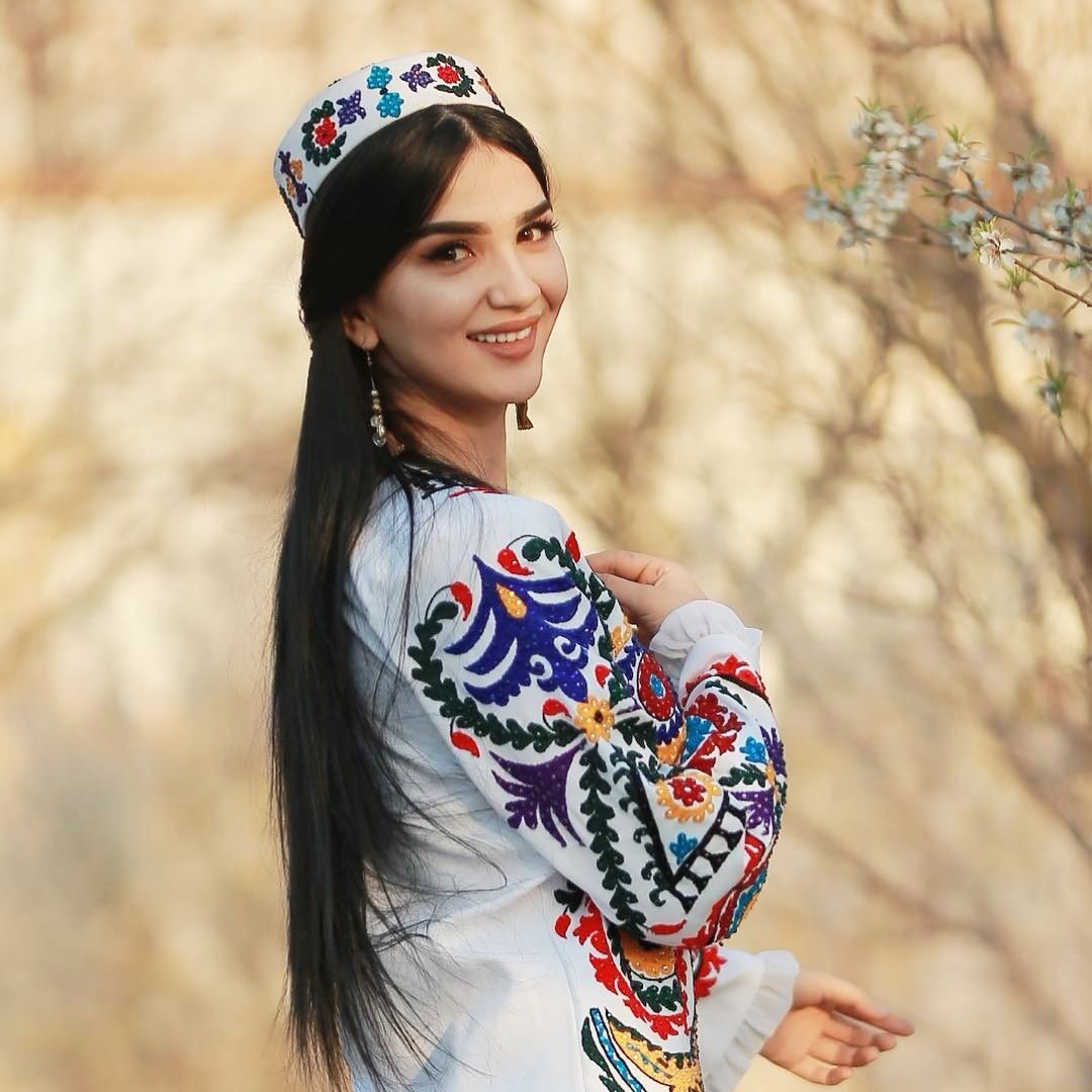 Девушки таджикистана красивые и сексуальные, лес фото стриптиз