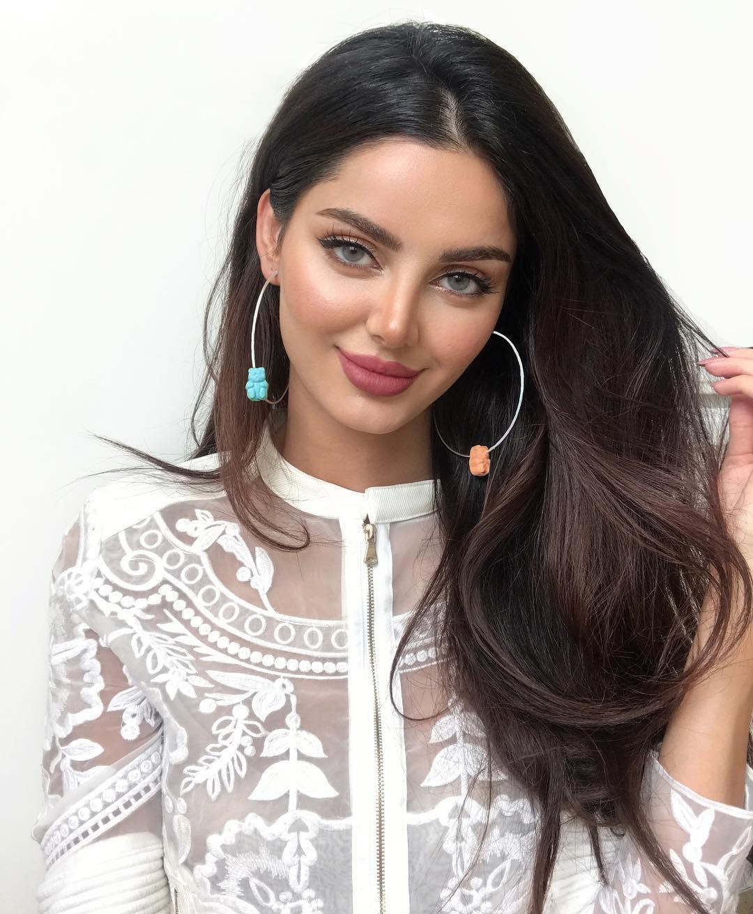 irani-girl-jucy-lip-pic