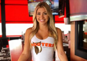 The most beautiful Hooters girls